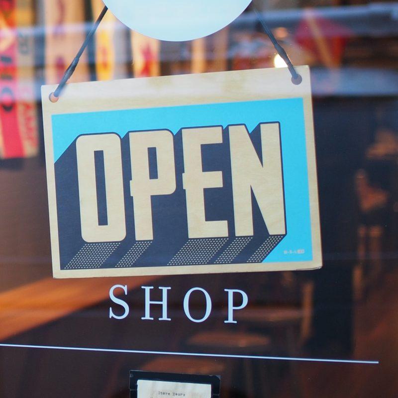 Immer offen und online erreichen mit einem eigenen Online Shop mit Shopify oder WooCoommerce von unison München.